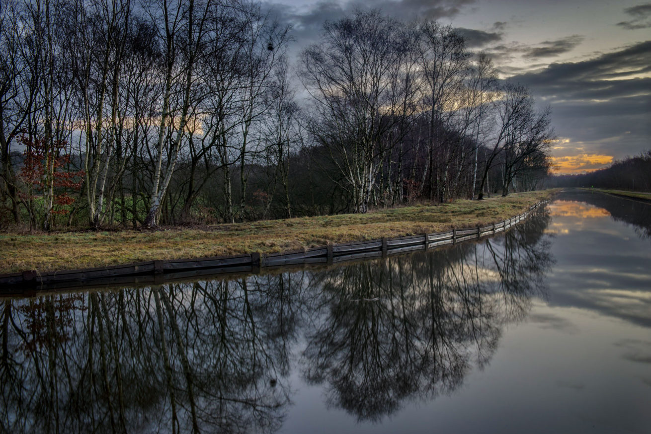 bridgewater canal salford winter